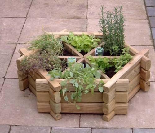Подделки своими руками для сада и
