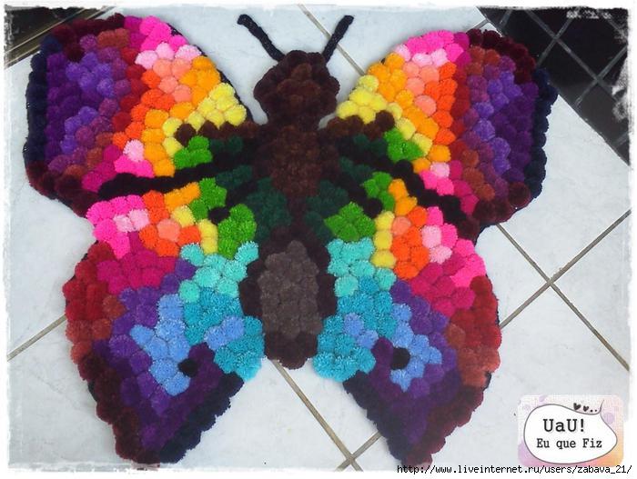 Коврик из помпонов «Бабочка»