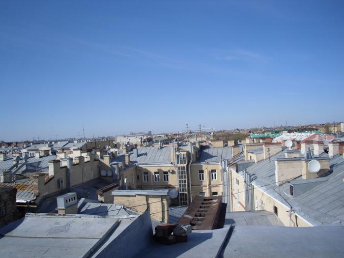 А это уже питерская крыша))) (700x525, 154Kb)