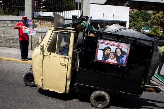 Viva Chavez 9 (560x373, 51Kb)