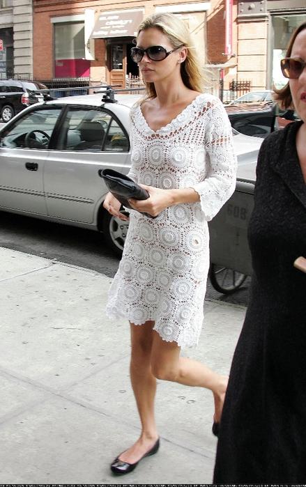 凯特·莫斯的白色礼服:菠萝+棉花糖 - maomao - 我随心动