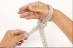 вязание на руках. шарфик (4) (256x170, 6Kb)