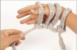 вязание на руках. шарфик (6) (258x169, 7Kb)
