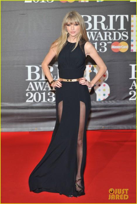 taylor-swift-brit-awards-red-carpet-2013-04 (469x700, 66Kb)