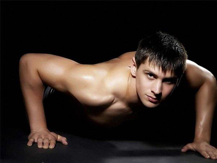 сексуальный мужчина фото 2 (700x525, 32Kb)