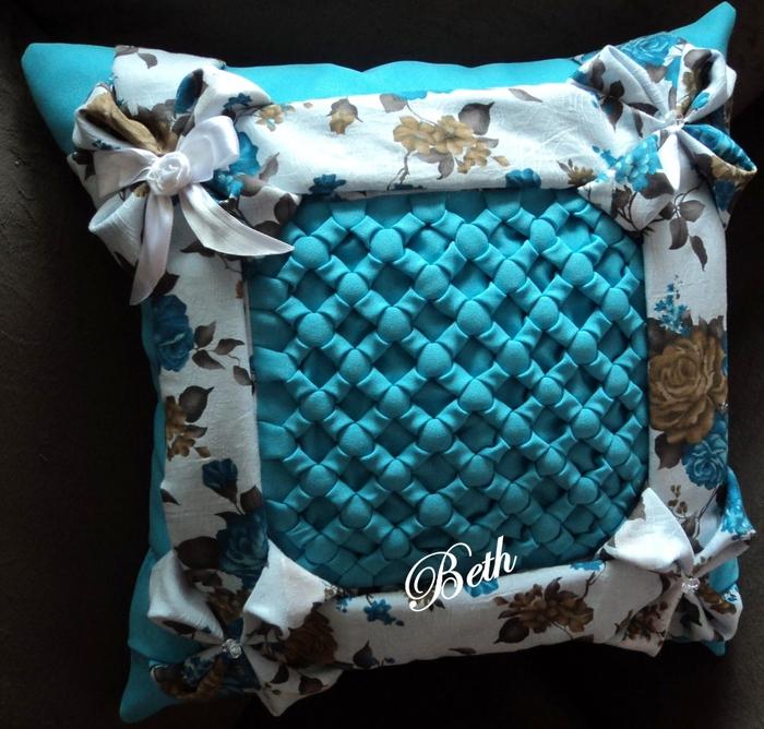 декоративные подушки (700x668, 345Kb)