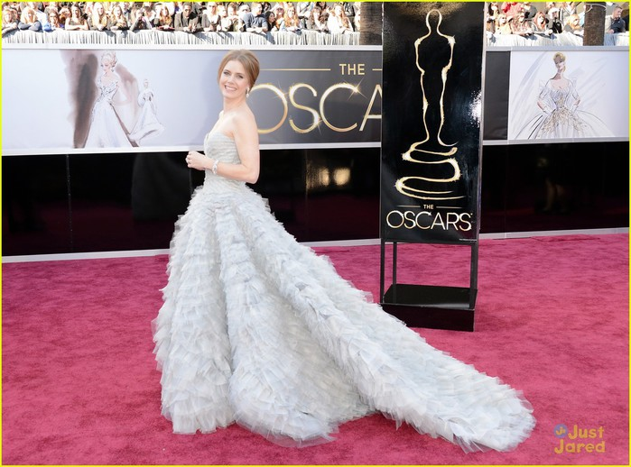 amy-adams-darren-le-gallo-oscars-2013-red-carpet-03 (700x518, 103Kb)