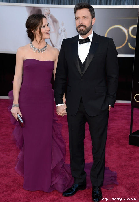 ben_affleck_wife_jennifer_garner_oscars_2013_red_carpet_18ilhel-18ilhh1 (480x700, 150Kb)
