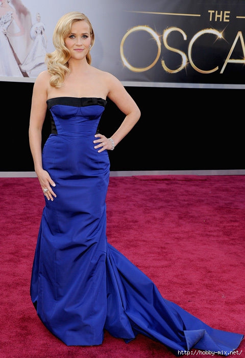 reese_witherspoon_louis_vuitton_blue_silhouette_gown_oscars_2013_red_carpet_18il91h-18il91v (480x700, 176Kb)