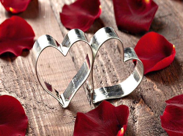 2 серебрянных сердечка (700x520, 88Kb)