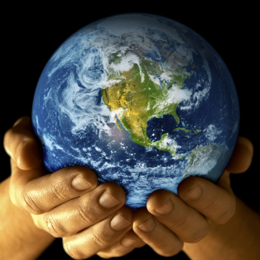 earth-day-earth-in-hands (530x530, 87Kb)