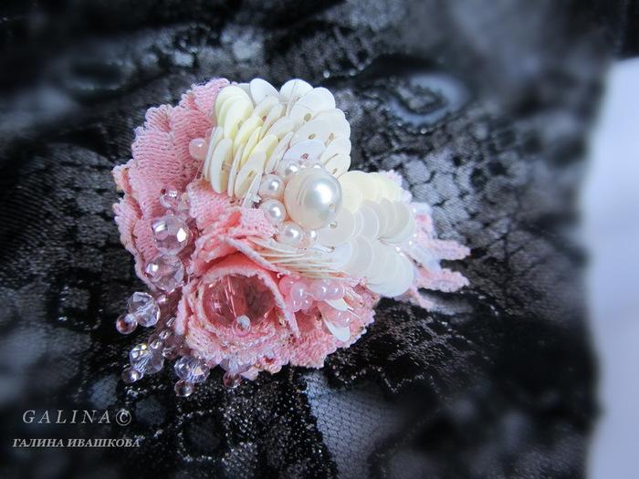 Кольцо аромат розы ручная вышивка