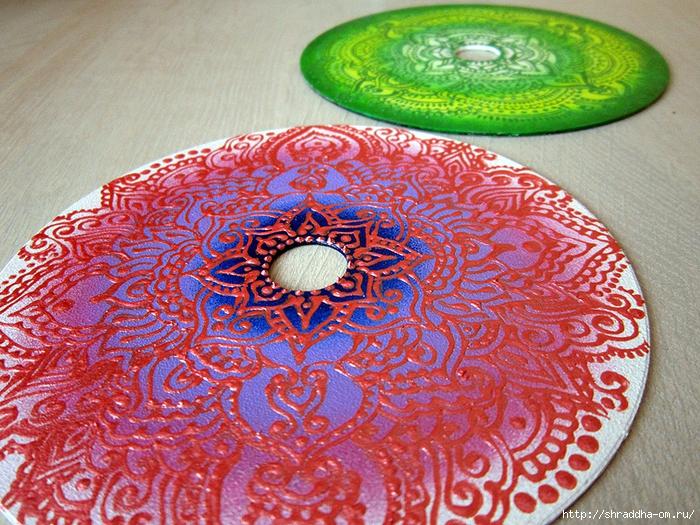 розовое и зелёное, роспись на CD, автор Shraddha, 1 (700x525, 437Kb)