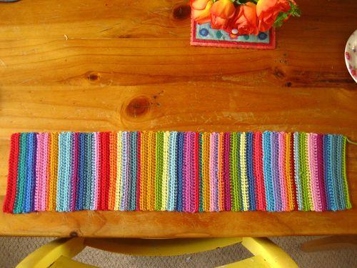 Веночек крючком из цветных ниток