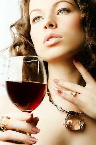 девушка с вином (320x480, 26Kb)
