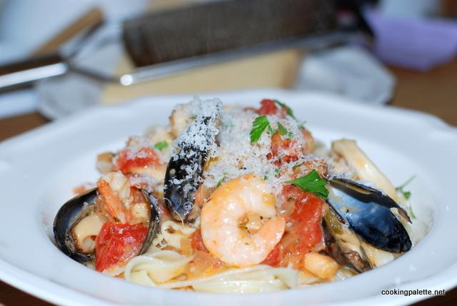 seafood-pasta-in-chunky-vodka-sauce-9 (640x429, 132Kb)