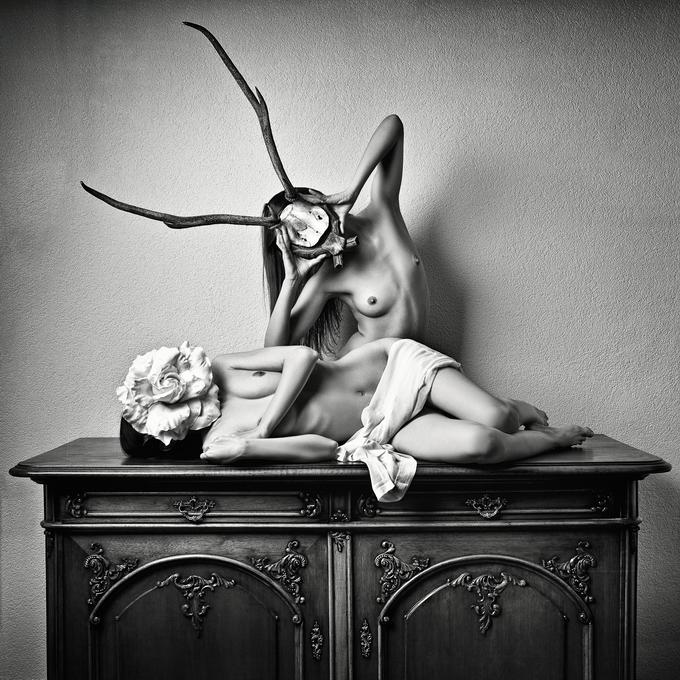 Дэниэл Илинка эротические фото 5 (680x680, 354Kb)