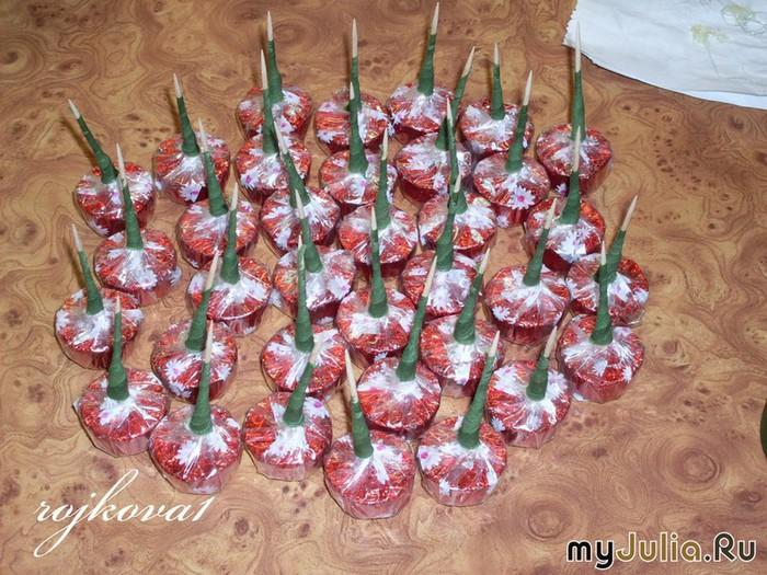 виноград из конфет мастер-класс (3) (700x525, 146Kb)