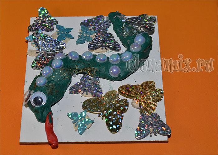 змея из пластилина и бусин - подарок маме/4348076_podNY (700x498, 102Kb)