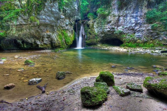 Водопад La Tine de Conflens, Швейцария 99422