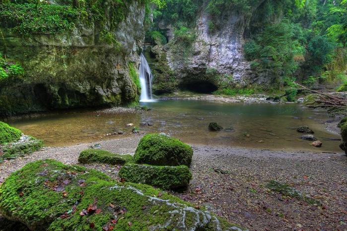 Водопад La Tine de Conflens, Швейцария 18331