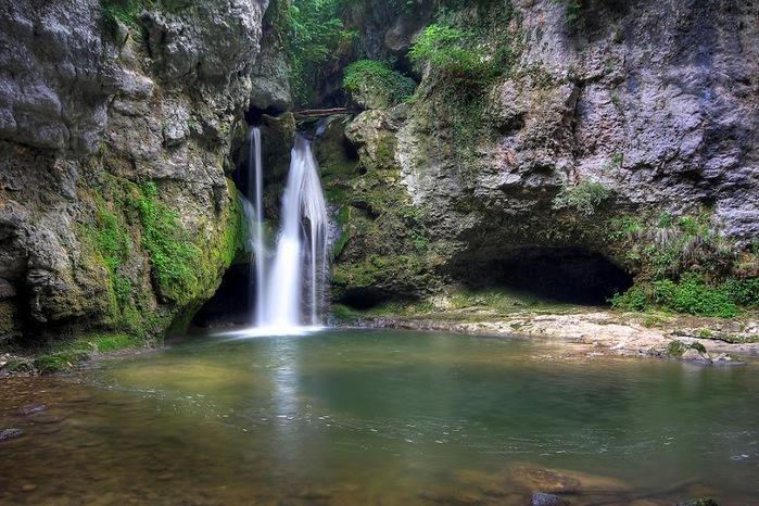 Водопад La Tine de Conflens, Швейцария 59092
