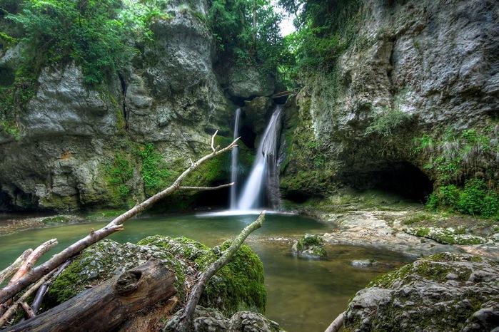 Водопад La Tine de Conflens, Швейцария 33564