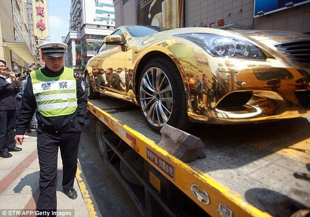 золотой кабриолет Infiniti G37 5 (638x447, 68Kb)