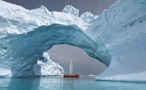 Природная арка в Антарктике (480x296, 32Kb)