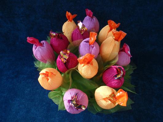 цветы из конфет (2) (530x397, 248Kb)