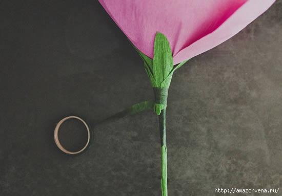 роза из гофрированной бумаги (12) (550x383, 67Kb)