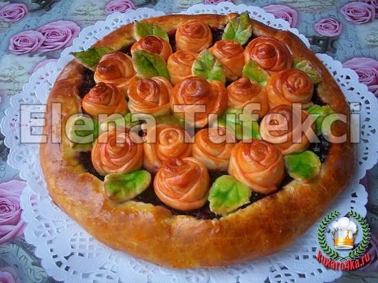дрожжевой пирог с розочками (1) (550x412, 234Kb)