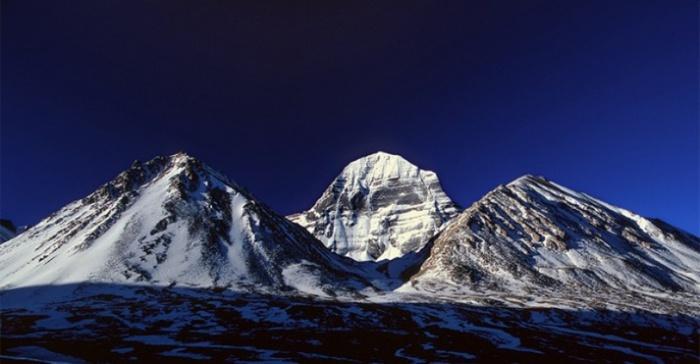 kailas-glavnyi-sakralnii-marshrut-tibeta-13483357906222_w687h357 (800x416, 77Kb)