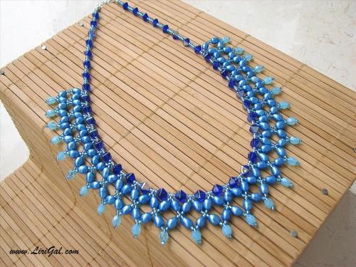 ожерелье из бисера и бусин Это . из бисера, бусин, стекляруса, камней и кристаллов.