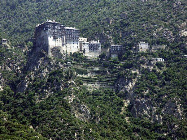 Монастырь Симона Петра — один из 20-ти «правящих» монастырей на Святой Горе Афон в Греции (604x453, 99Kb)