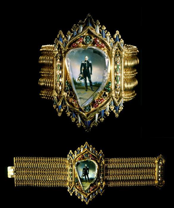 браслет с портрет (584x700, 130Kb)