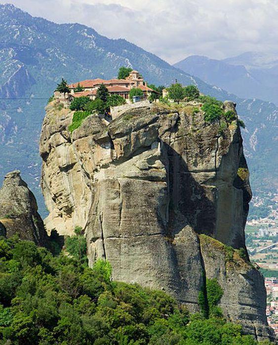 399px-Meteora_Agios_Triadas_IMG_7632 (682x847, 103Kb)