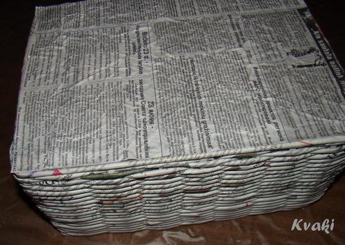 плетение из газет как крутить трубочки (21) (500x356, 179Kb)