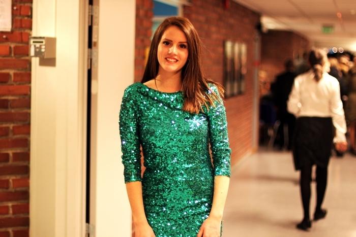 модное платье на 8 марта 2013 года