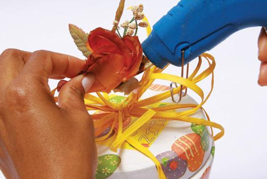 пасхальный декупаж цветочного горшка (12) (524x352, 336Kb)