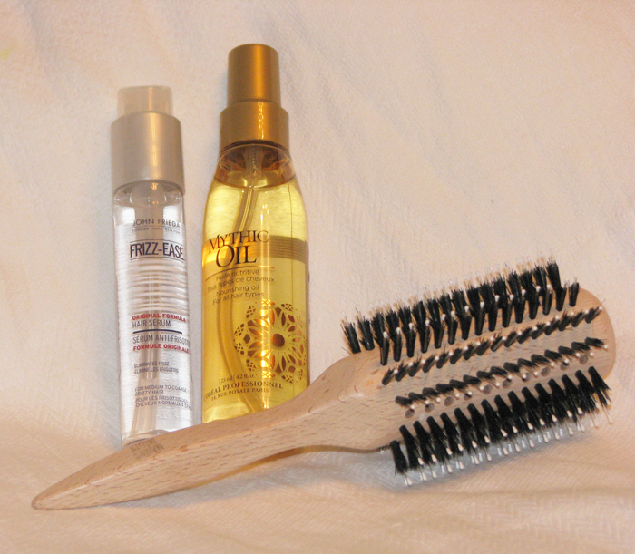 3388503_Loreal_Professionnel_Mythic_Oil_John_Frieda_Frizzease_Marlies_M_ller_2 (700x611, 436Kb)