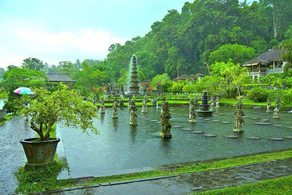 Водный Дворец, о. Бали, Индонезия (604x403, 70Kb)