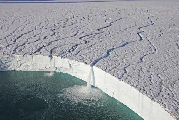Ледяные водопады в заповеднике Свальбард, Норвегия (604x405, 52Kb)