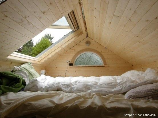 дизайн идея Уютное место на чердаке (554x415, 106Kb)