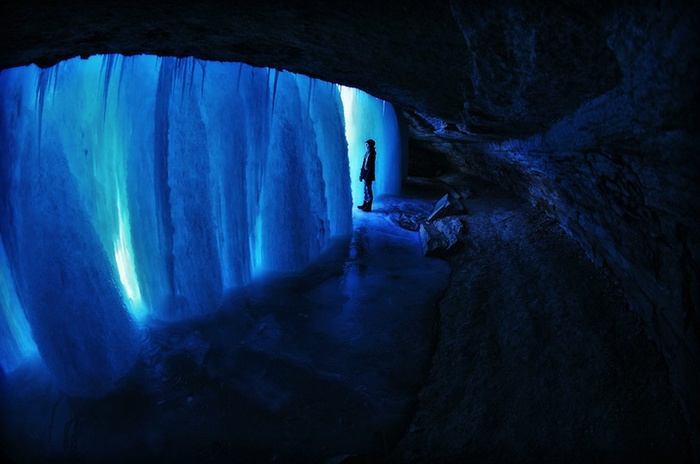 замершие водопады фото 9 (700x464, 87Kb)