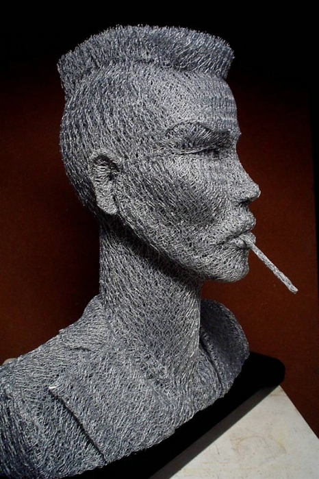 скульптуры из сетки рабицы Иван Ловатт 13 (466x700, 231Kb)