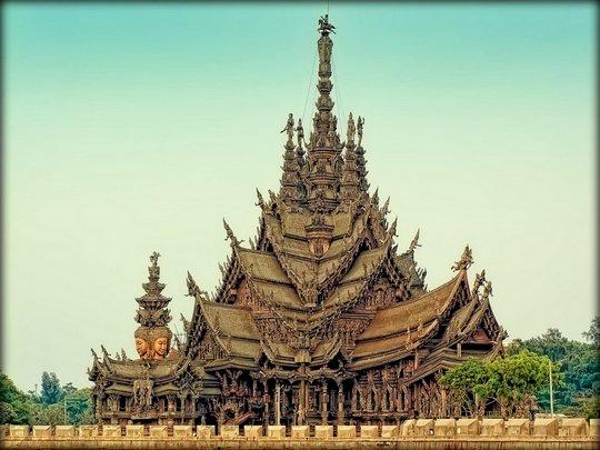 4. Тайланд.  Храм Истины. Сделан  из дерева (540x405, 48Kb)