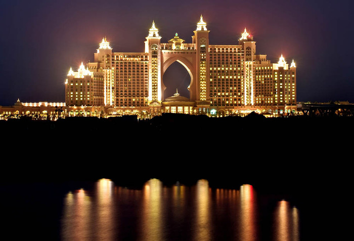 Atlantis-The-Palm-By-Night (700x476, 87Kb)