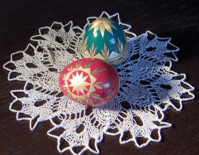 пасхальные яйца декор соломкой (5) (700x545, 671Kb)