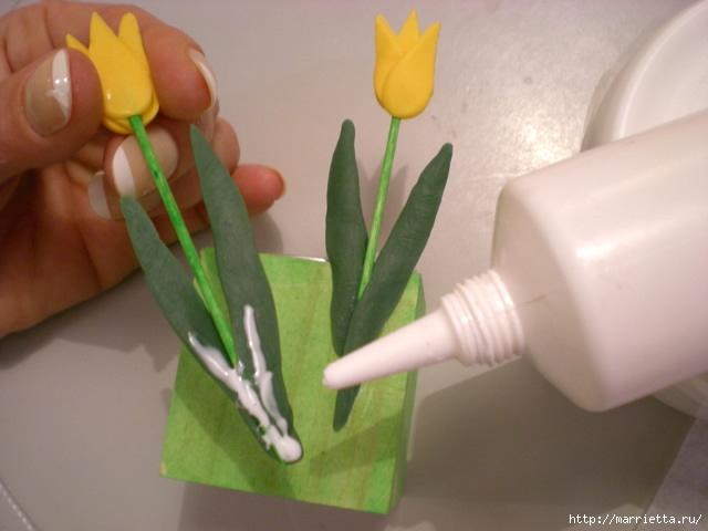 декорирование подсвечника тюльпанами из холодного фарфора (10) (640x480, 148Kb)